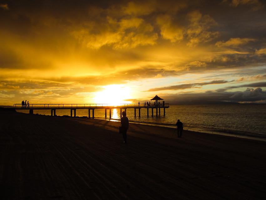 フサキビーチから見る夕日
