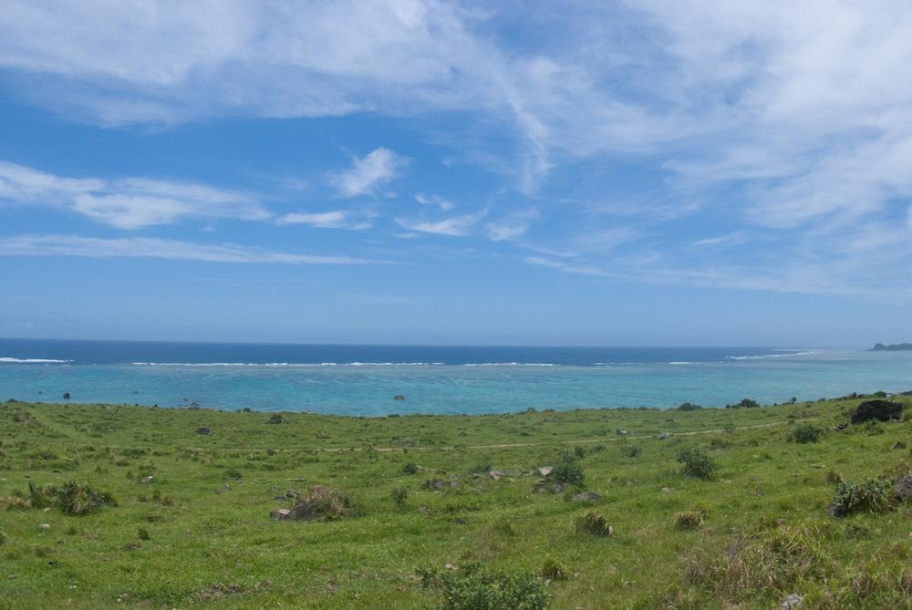 草原の先に広が太平洋