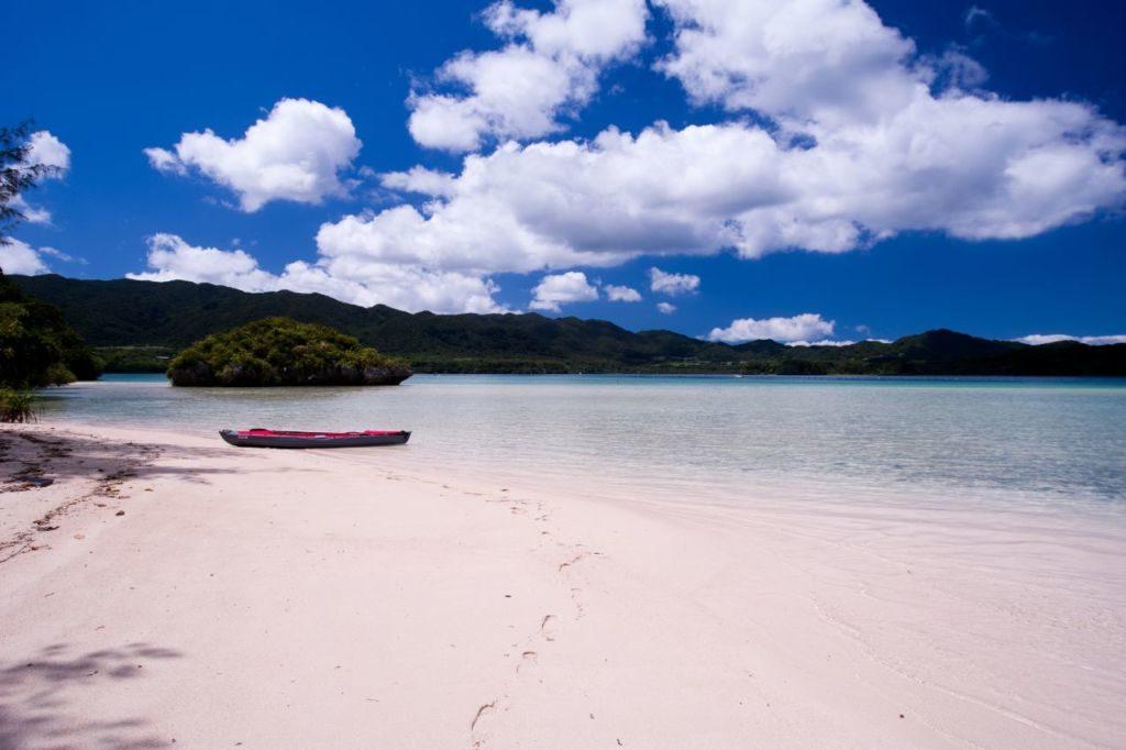 川平湾の無人島ビーチ